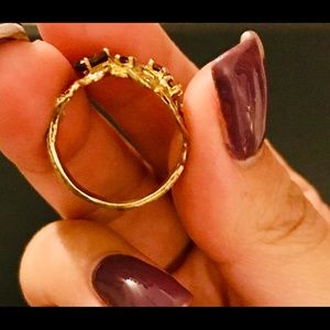 Jewelry - 925 sterling garnet ring size 8